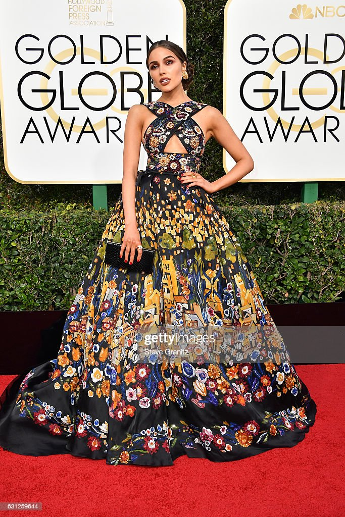 74th Annual Golden Globe Awards - Arrivals : News Photo
