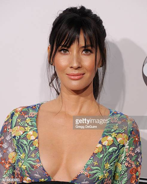 Actress Olivia Munn arrives at the 2016 American Music Awards at Microsoft Theater on November 20 2016 in Los Angeles California