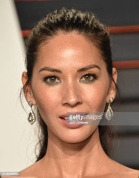 Actress Olivia Munn arrives at the 2016 Vanity Fair Oscar Party Hosted By Graydon Carter at Wallis Annenberg Center for the Performing Arts on...