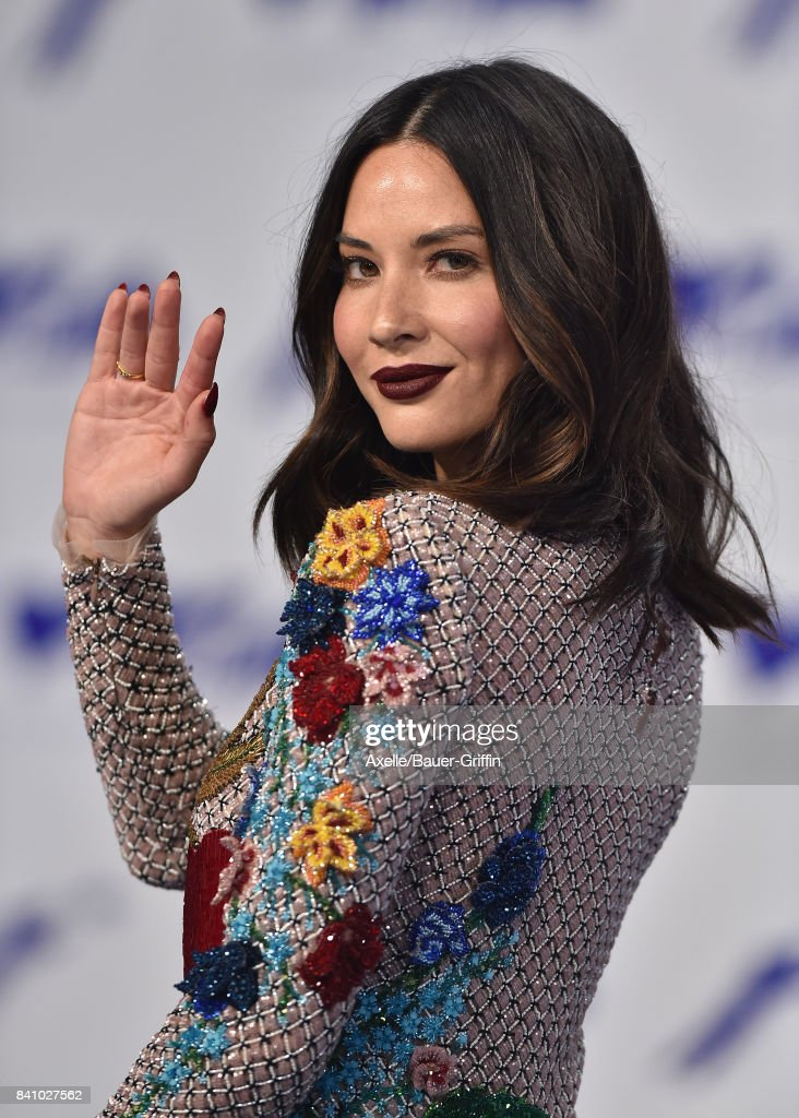 Actress Olivia Munn arrives at the 2017 MTV Video Music Awards at The Forum on August 27, 2017 in Inglewood, California.