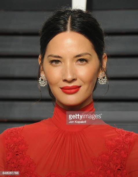 Actress Olivia Munn arrives at the 2017 Vanity Fair Oscar Party Hosted By Graydon Carter at Wallis Annenberg Center for the Performing Arts on...