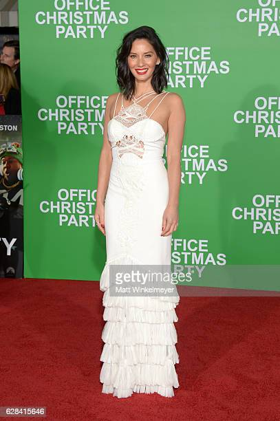 Actress Olivia Munn attends the premiere of Paramount Pictures' 'Office Christmas Party' at Regency Village Theatre on December 7 2016 in Westwood...