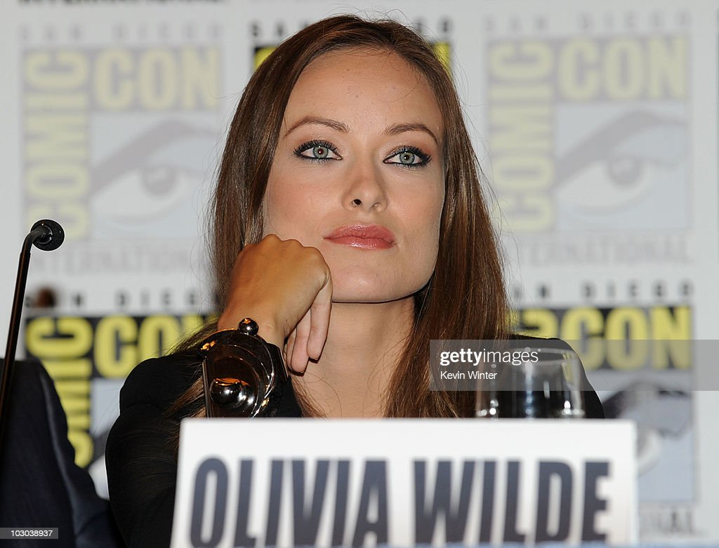 Actress Olivia Wilde got engaged to comedian Jason Sudeikis 01/14/2013 40