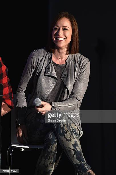 Actress Paige Davis performs on stage during the RentSingALong at the 2016 Vulture Festival at Milk Studios on May 22 2016 in New York City