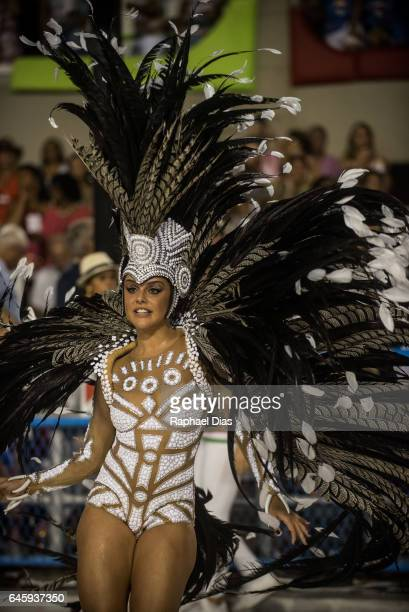 Actress Paloma Bernardi dances during Grande Rio performance at the Rio de Janeiro Carnival at Sambodromo on February 26 2017 in Rio de Janeiro Brazil