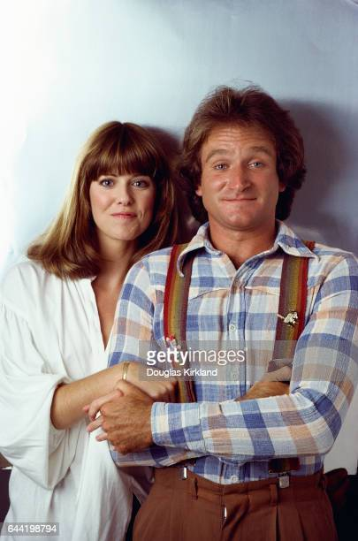 Actress Pam Dawber plays Mindy McConnell and comedian Robin Williams plays the alien Mork from Ork on the television series Mork and Mindy