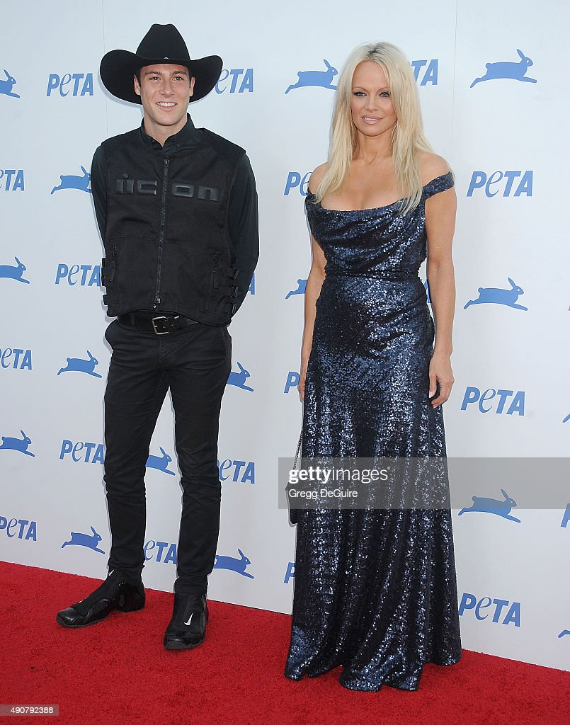 Actress Pamela Anderson arrives at PETA's 35th Anniversary Party at Hollywood Palladium on September 30, 2015 in Los Angeles, California.