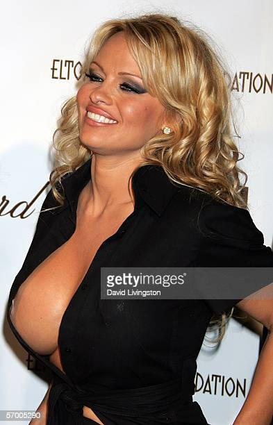 Actress Pamela Anderson arrives at the 14th Annual Elton John Academy Awards viewing party held at the Pacific Design Center on March 5, 2006 in West...