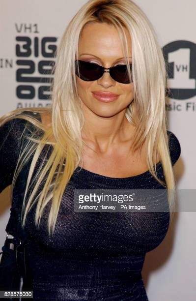 Actress Pamela Anderson arrives at the VH1 Big In 2002 Awards at the Olympic Auditorium Los Angeles *19/09/03 Former Baywatch star Pamela Anderson...