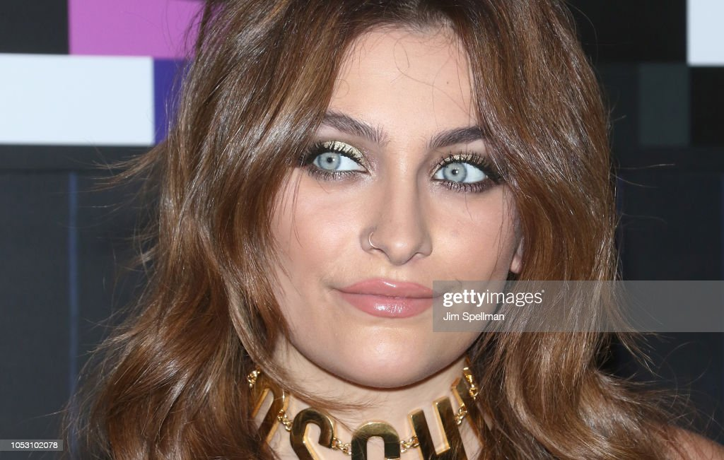 actress-paris-jackson-attends-the-moschino-x-hm-show-at-pier-36-on-picture-id1053102078