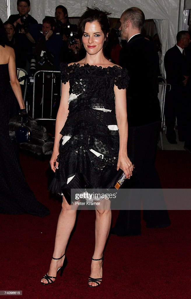 Actress Parker Posey attends the Metropolitan Museum of Art Costume Institute Benefit Gala 'Poiret: King Of Fashion' at the Metropolitan Museum of Art on May 7, 2007 in New York City.