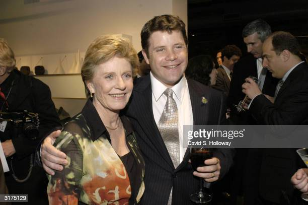 Actress Patty Duke attends the Creative Coalition's 2004 Capitol Hill Spotlight Awards ceremony with her son actor Sean Astin March 30 2004 in...