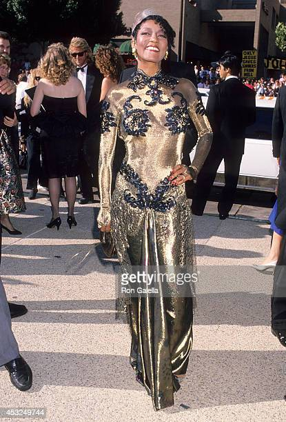 Actress Paula Kelly attends the 41st Annual Primetime Emmy Awards on September 17 1989 at the Pasadena Civic Auditorium in Pasadena California