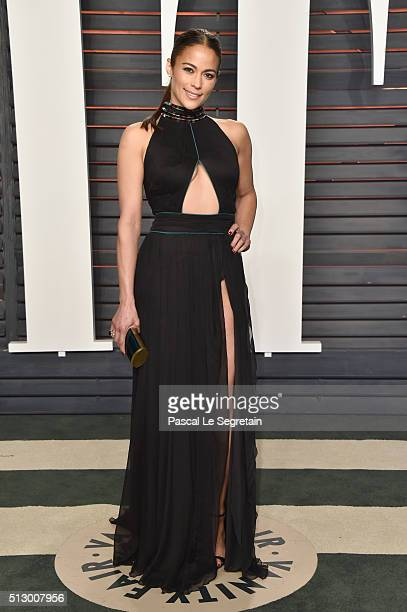 Actress Paula Patton attends the 2016 Vanity Fair Oscar Party Hosted By Graydon Carter at the Wallis Annenberg Center for the Performing Arts on...