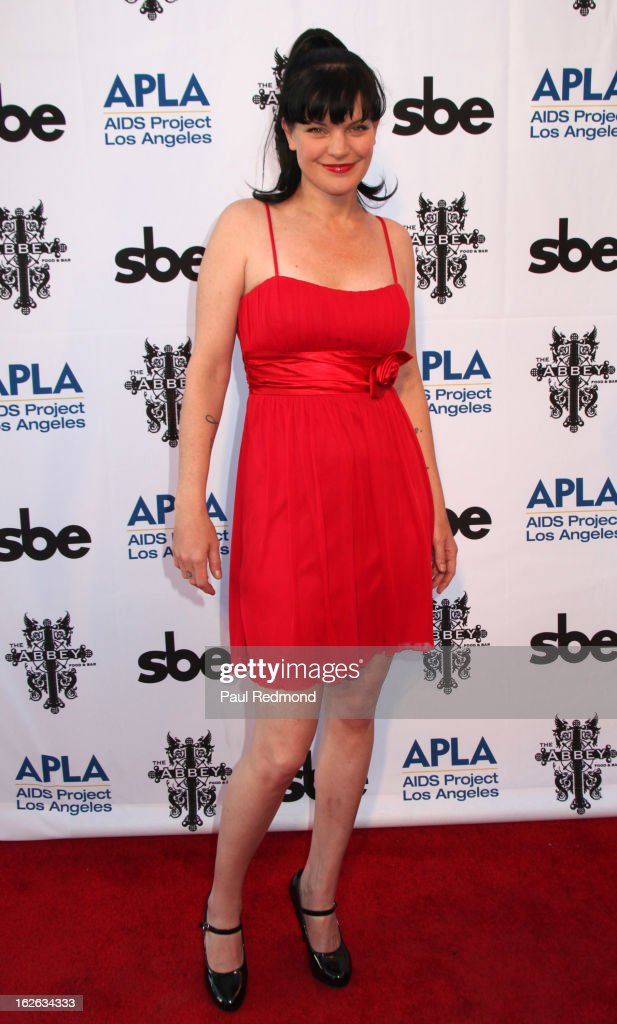 Actress Pauley Perrette arrives at APLA and The Abbey's 12th Annual 'The Envelope Please' Oscar Viewing Party at The Abbey on February 20, 2013 in West Hollwwod, California.