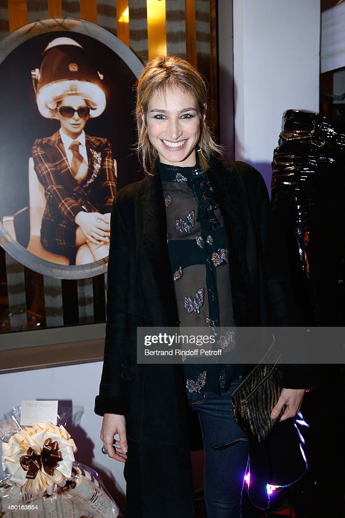 Sarah Guetta Party In Paris