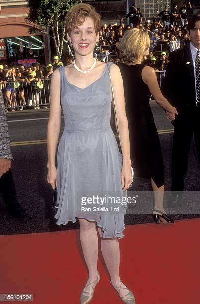 Actress Penelope Ann Miller attends the 'Batman Returns' Hollywood Premiere on June 16 1992 at Mann's Chinese Theatre in Hollywood California