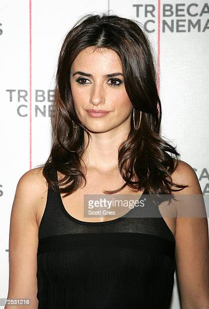 """Actress Penelope Cruz arrives at a private screening of """"Volver"""" at the Tribeca Cinema Gallery on November 13, 2006 in New York City."""