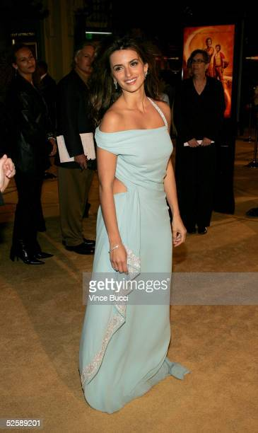 """Actress Penelope Cruz arrives at Paramount Pictures premiere of """"SAHARA"""" at the Grauman's Chinese Theater on April 4, 2005 in Hollywood, California."""