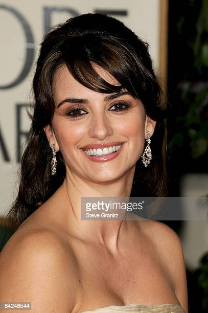 Actress Penelope Cruz arrives at the 66th Annual Golden Globe Awards held at the Beverly Hilton Hotel on January 11 2009 in Beverly Hills California