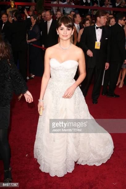 Actress Penelope Cruz arrives at the 81st Annual Academy Awards held at Kodak Theatre on February 22 2009 in Los Angeles California