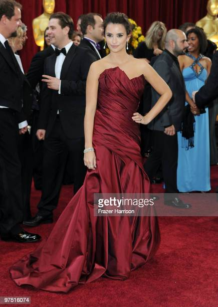 Actress Penelope Cruz arrives at the 82nd Annual Academy Awards held at Kodak Theatre on March 7 2010 in Hollywood California