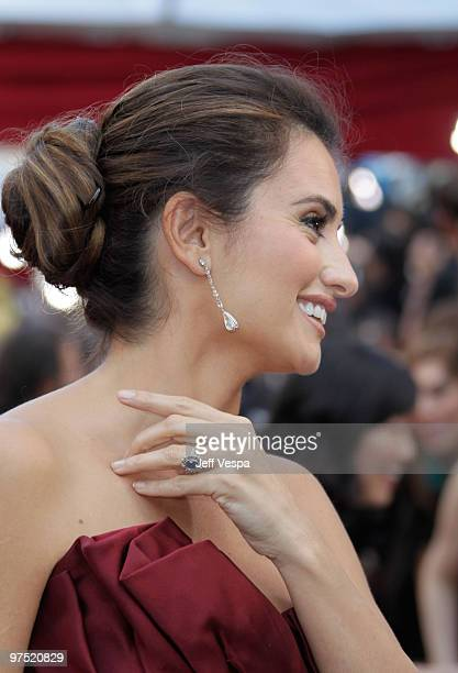 Actress Penelope Cruz arrives at the 82nd Annual Academy Awards held at the Kodak Theatre on March 7 2010 in Hollywood California