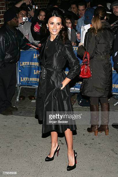 Actress Penelope Cruz arrives at the Ed Sullivan Theater for a taping of the Late Show with David Letterman January 9, 2007 in New York City.