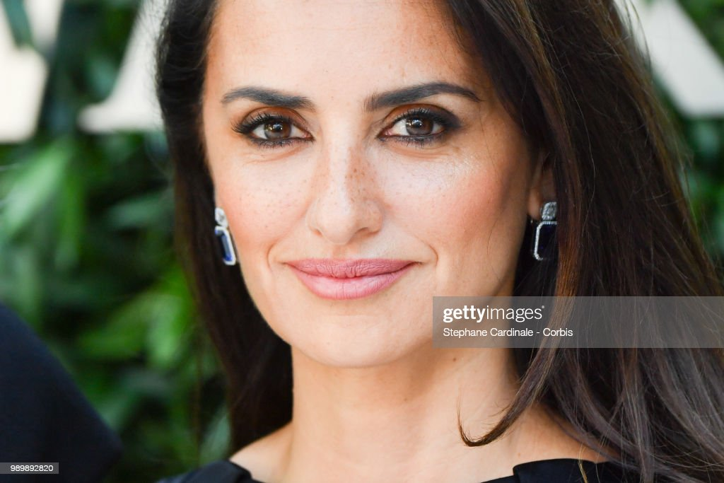 Atelier Swarovski : Cocktail Of The New Penelope Cruz Fine Jewelry Collection : Front Row - PFW - Haute Couture FW 2018/19