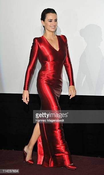 """Actress Penelope Cruz attends the Germany Premiere of """"Pirates Of The Caribbean: On Stranger Tides"""" at the Mathaeser Filmpalast on May 16, 2011 in..."""