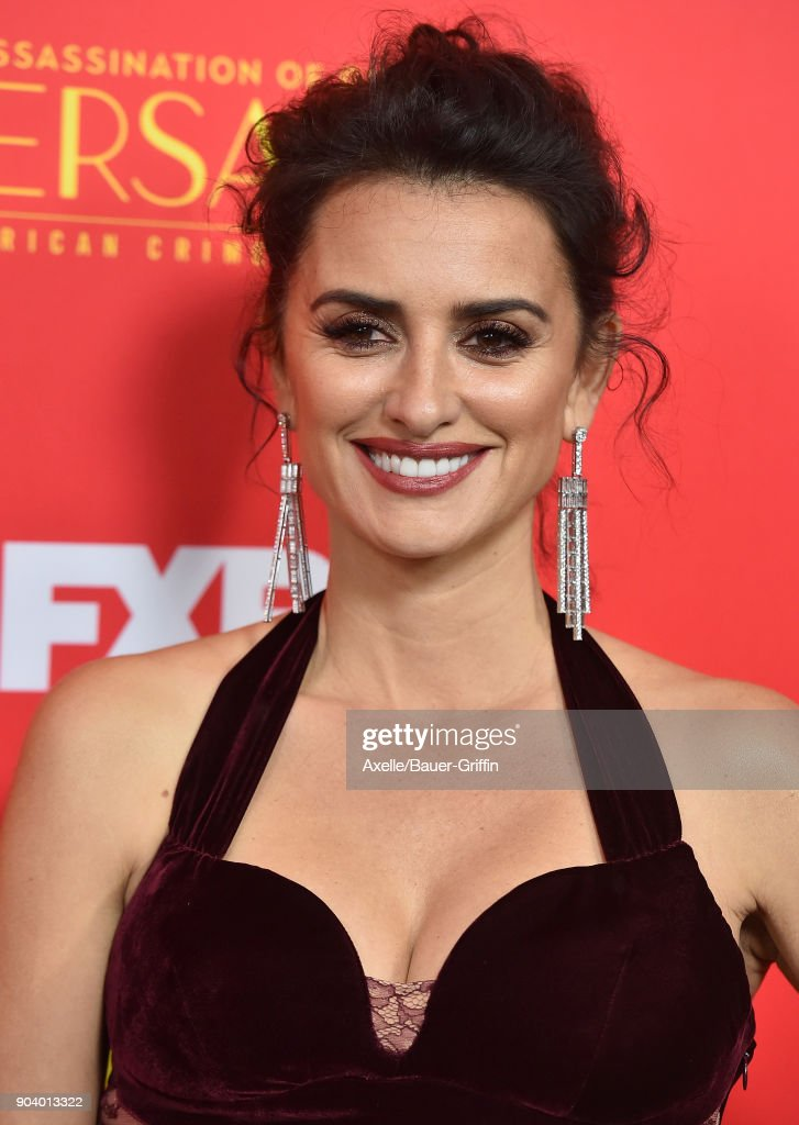 Actress Penelope Cruz attends the Los Angeles Premiere of 'The Assassination of Gianni Versace: American Crime Story' at ArcLight Hollywood on January 8, 2018 in Hollywood, California.