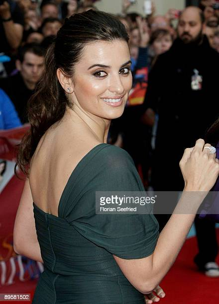 Actress Penelope Cruz attends the premiere of 'Los Abrazos Rotos' at cinema Kulturbrauerei on August 3 2009 in Berlin Germany