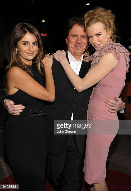 """Actress Penelope Cruz, director Rob Marshall and actress Nicole Kidman arrive at the Los Angeles premiere of the Weinstein Company's """"NINE"""" at the..."""