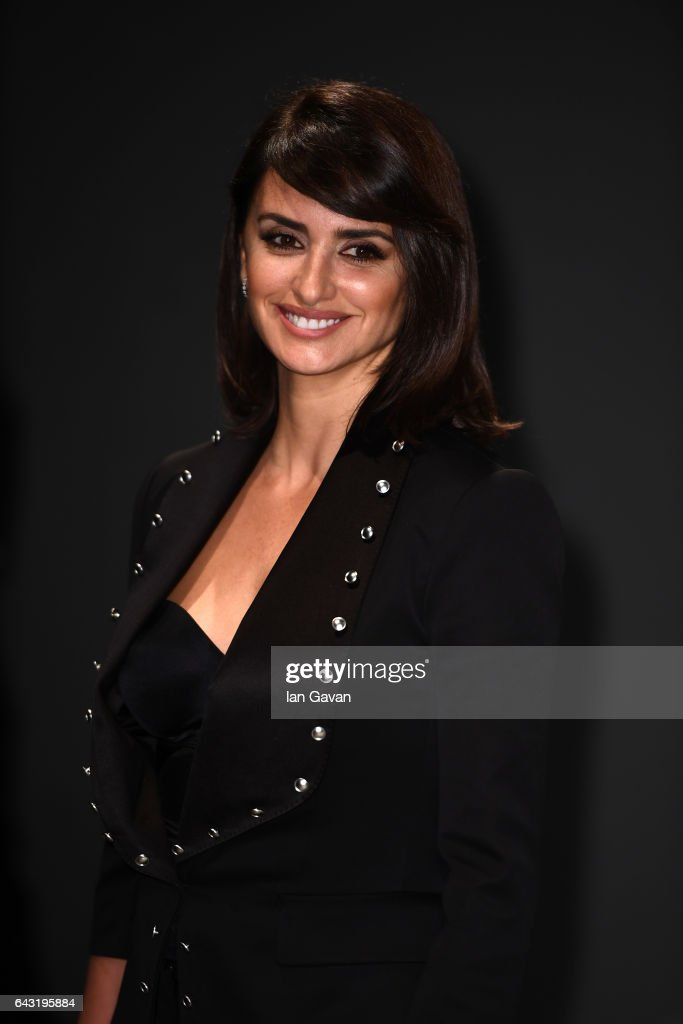 Actress Penelope Cruz wearing Burberry attends the Burberry February 2017 Show during London Fashion Week February 2017 at Makers House on February 20, 2017 in London, England.