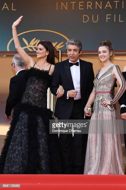 Actress Penelope Cruz wearing jewels by Atelier Swarovski Fine Jewelry actor Ricardo Darin and actress Carla Campra attend the screening of Everybody...