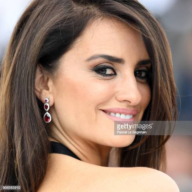 Actress Penelope Cruz wearing jewels by Atelier Swarovski Fine Jewelry attends the photocall for 'Everybody Knows ' during the 71st annual Cannes...