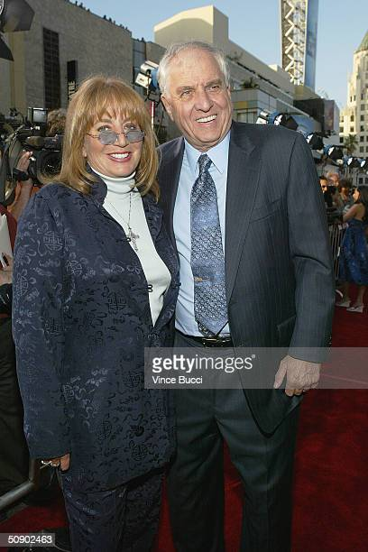 Actress Penny Marshall and brother director Garry Marshall attend the film premiere of the romantic comedy Raising Helen on May 26 2004 at the El...