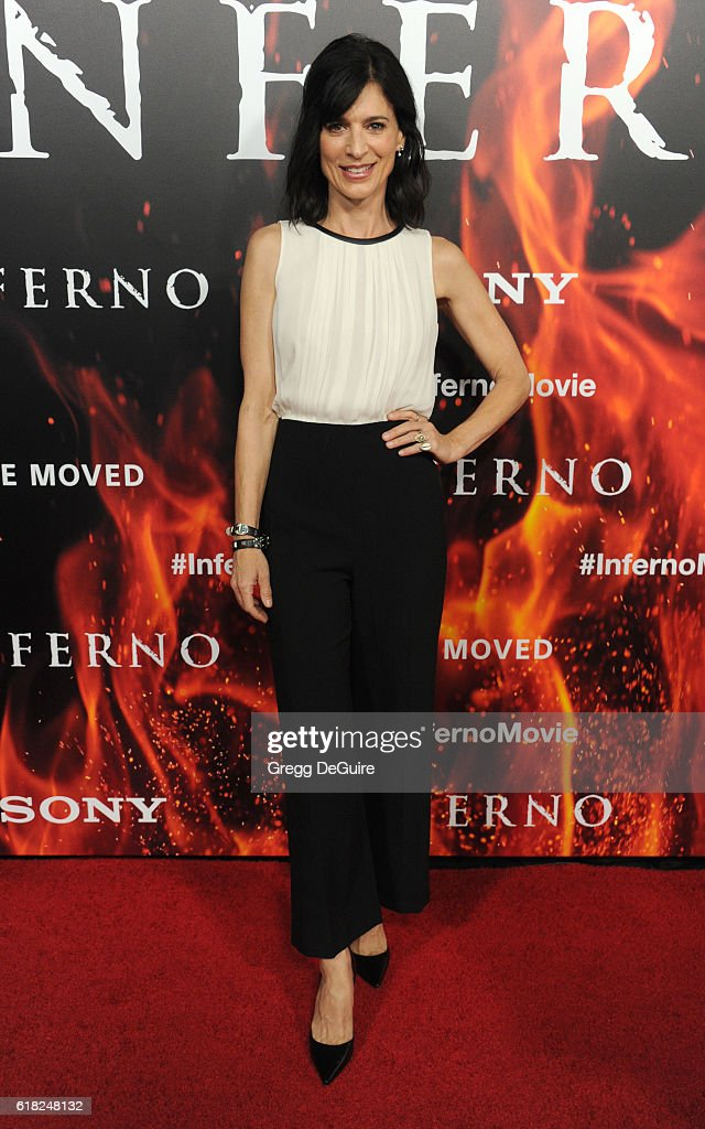 Actress Perrey Reeves arrives at the screening of Sony Pictures Releasing's 'Inferno' at DGA Theater on October 25, 2016 in Los Angeles, California.