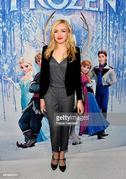 Actress Peyton List attends the premiere of Walt Disney Animation Studios' 'Frozen'at the El Capitan Theatre on November 19 2013 in Hollywood...