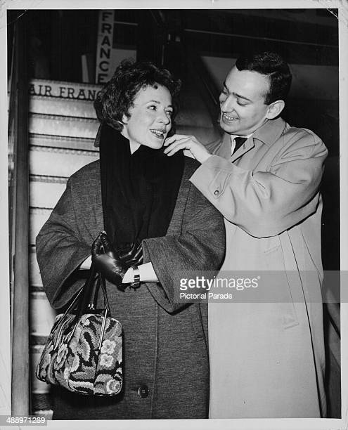 Actress Piper Laurie and her husband Joe Morgenstern boarding an Air France plane to Morocco for their honeymoon New York 1962