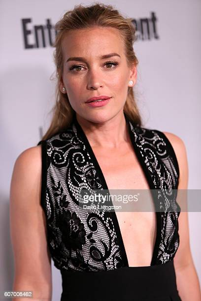 Actress Piper Perabo attends Entertainment Weekly's 2016 Pre-Emmy Party at Nightingale Plaza on September 16, 2016 in Los Angeles, California.