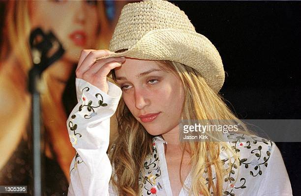 Actress Piper Perabo from the upcoming movie Coyote Ugly appears July 21 in Hermosa Beach CA