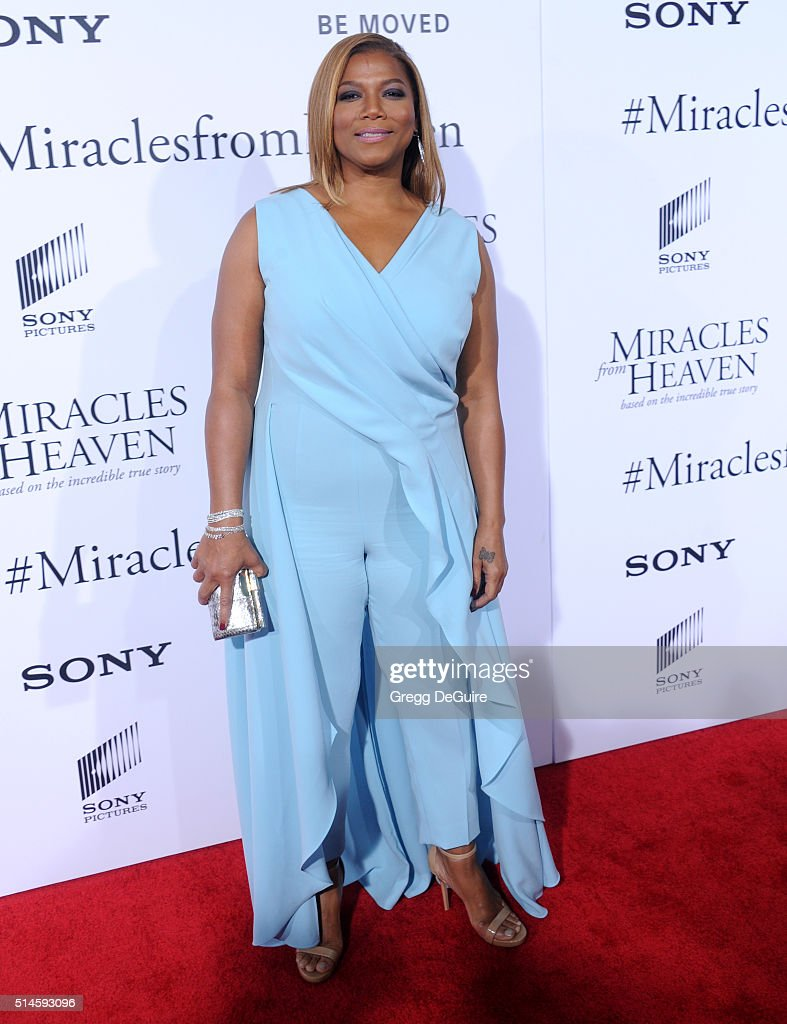 Actress Queen Latifah arrives at the premiere of Columbia Pictures' 'Miracles From Heaven' at ArcLight Hollywood on March 9, 2016 in Hollywood, California.