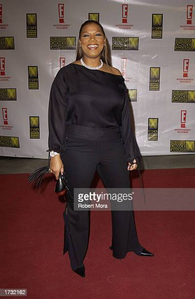 Actress Queen Latifah attends the 8th Annual Critics' Choice Awards at the Beverly Hills Hotel on January 17 2003 in Beverly Hills California The...
