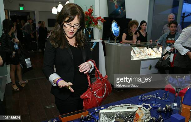 Actress Rachael Harris poses at the Kari Feinstein Golden Globes Style Lounge at Zune LA on January 15 2010 in Los Angeles California