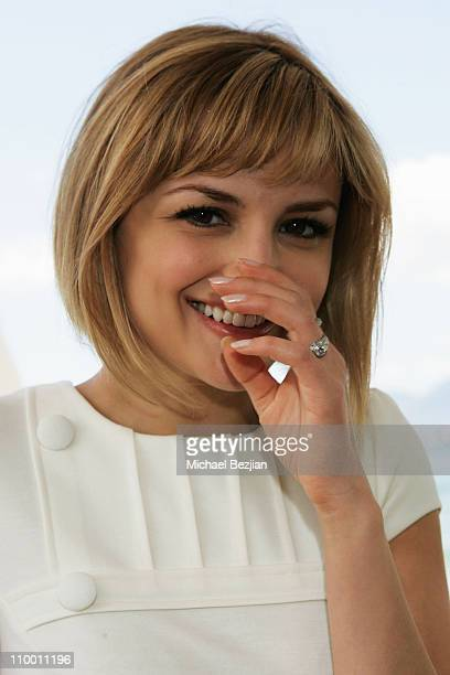 Actress Rachael Leigh Cook poses at a photocall for her new film Bob Funk at Nikki Beach during the 61st Cannes International Film Festival on May 18...