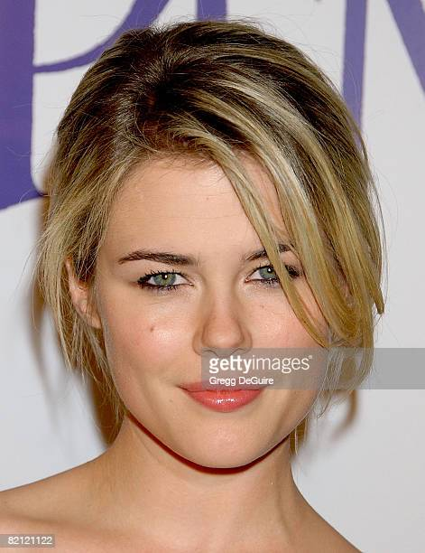 """Actress Rachael Taylor arrives at the """"Penelope"""" premiere at the Directors Guild of America Theater on February 20, 2008 in West Hollywood,..."""
