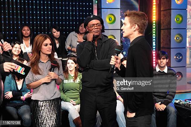 Actress Rachel Bilson and actors Samuel LJackson and Hayden Christensen visit MTV's 'TRL' at MTV Studios Times Square on February 12 2008 in New York...