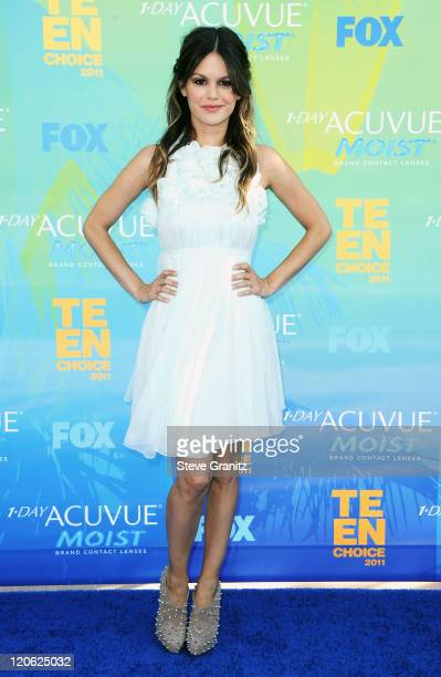 Actress Rachel Bilson arrives at the 2011 Teen Choice Awards held at the Gibson Amphitheatre on August 7 2011 in Universal City California