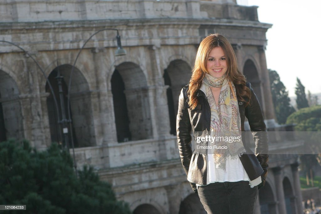 Actress Rachel Bilson attends a photocall for 'Jumper' at the Colosseum on February 6, 2008 in Rome, Italy.